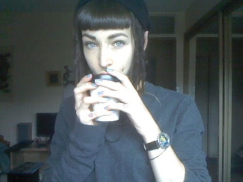 Boyfran brings me coffee, I am happy :3