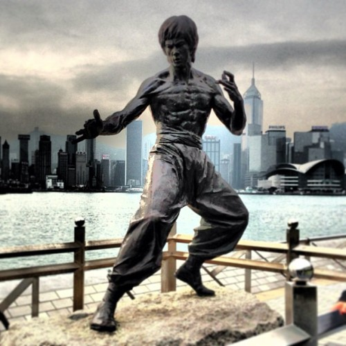 Bruce Lee #brucelee #movie #hongkong #sea #sky #cloud #instagram #webstagram #cool #kowloon