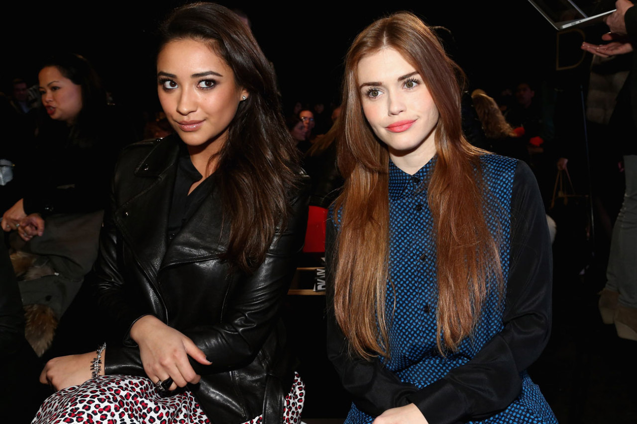 'Pretty Little Liar' SHAY MITCHELL was spotted sitting front row at the DKNY fall runway show; right next to HOLLAND RODEN. Loving it! xo @rozOonThego photo credit: getty images