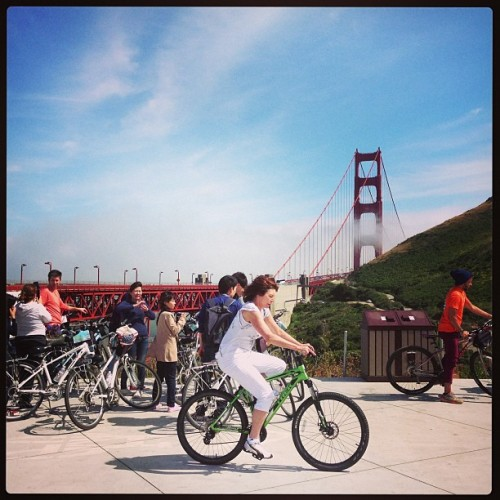 North Tower Golden Gate Bridge w tourists #SF  (at Conzelman Parking Lot)