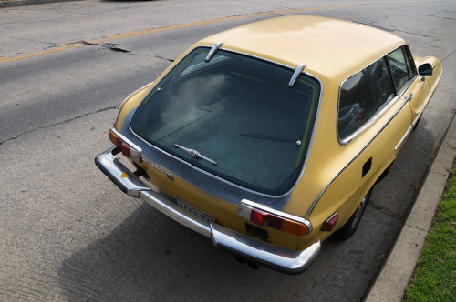 foxgeist:  thatyellowvolvoguy:  optetc:  Volvo 1800 ES, Los Angeles, Calif.  love that angle  love that car.