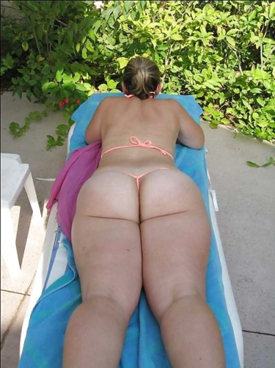bbw-beach:  sexy pawg in a G-string bikini