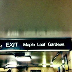 Exit left. #notatourist #mapleleafgardens (at The Met)