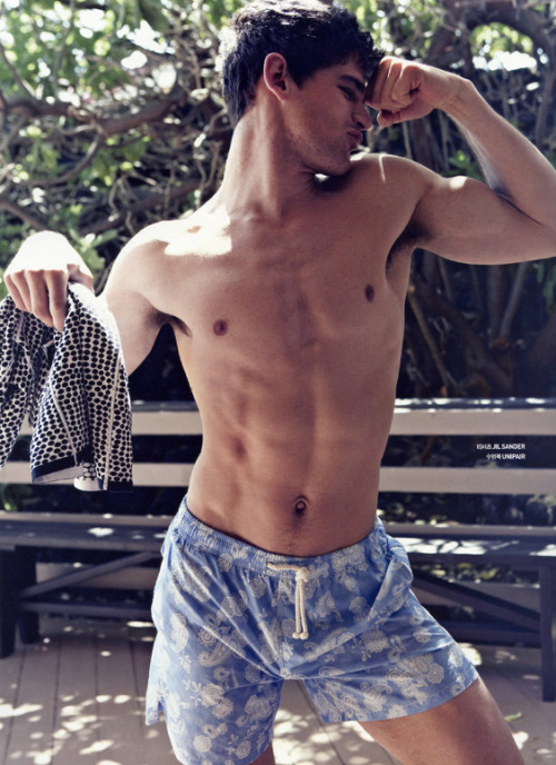 prefiromeninos:  Ryan Bertroche photographed by Yong Bin Choi for GQ Style Korea Prefiro ϻeninos