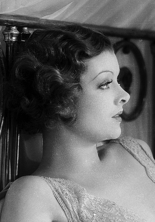 steamboatbilljr:  Myrna Loy in The Barbarian, 1933