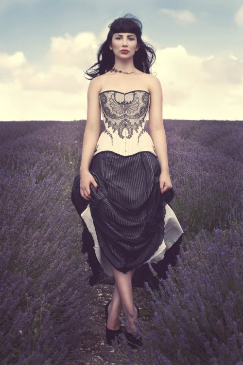Corset & Skirt: Morua Designs ©Sarah Ann Wright 2012