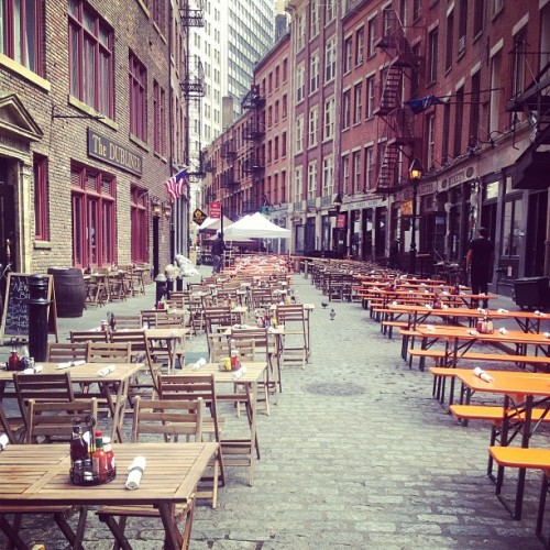 #StoneStreet before the #WallStreet lunch rush. #Gorgeous #Spring day here in #NYC !