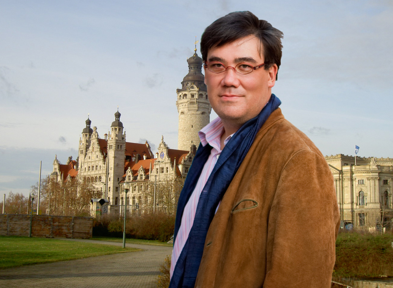 Where in the World Is Alan Gilbert? Now, he's in Leipzig, for concerts tonight and tomorrow, conducting the historic Gewandhaus Orchestra (which has been led by a few maestros you might have heard of, such as  Mendelssohn and Masur) in an all-Russian program: Prokofiev's Classical Symphony and Violin Concerto No. 1 with Lisa Batiashvili (in a warm up to their performance of the work with the Philharmonic in New York this June), as well as Tchaikovsky's Fourth Symphony.  Alan is coming back to New York next week, and it's about time. We've missed him!