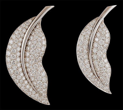 thejewelryvault:  Creator: Van Cleef & Arpels, circa 1980 Stone(s): Diamond Metal: White Gold Source: Yafa Signed Jewels