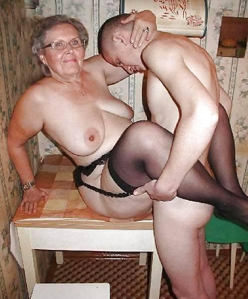 Mature mom and boy sex