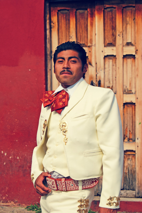 our-monsters:  Mariachi