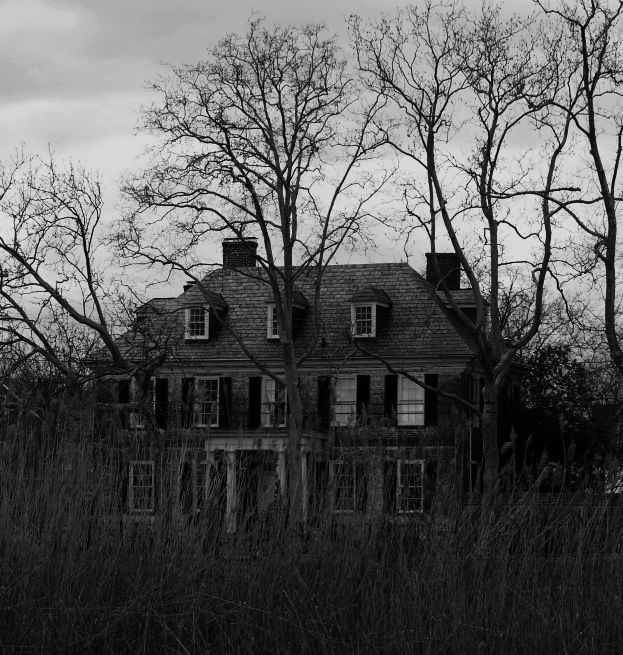 Creepy Houseby ~emwinch