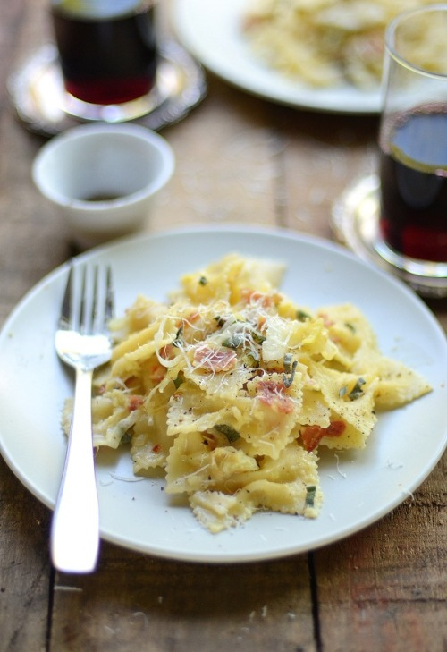 yummyinmytumbly:  Farfalle Carbonara with Pancetta and Sage  Following this blog is one of my bestttt ideassss everrrrrrrrrrrr!