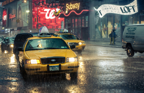 "hitrecord:  ""Cab on a rainy day in Nyc"" Photo by Ohh Shh Its Jon == storyoftascha:  Amazing shot of NYC taxicabs on @hitrecord by Ohh Shh Its Jon"