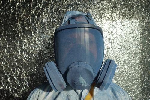 schadstoffnr1 #schadstoff#lack#in#der#lunge#ist#nicht#gut#wearamask#coronatimes#protectyourself#bluemangroup#profi#graffiti#writer#silver#zwischenraum#zwischentraum#blauman#blau#wie#sau#partikel#face#portrait