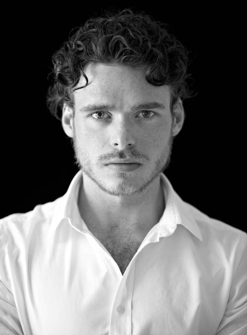 Game of Thrones' Richard Madden has joined the of Disney's Cinderella. Richard is set to play the Prince in the live action version. Read More