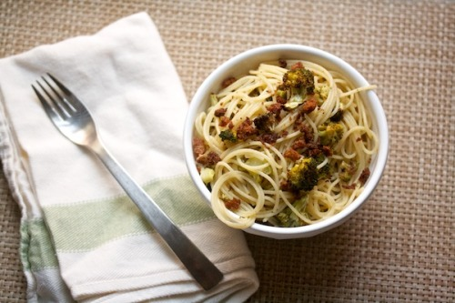 foodopia:  broccoli spaghetti: recipe here
