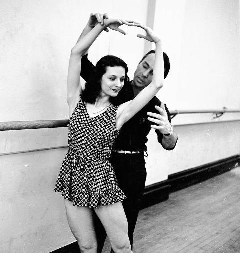 George Balanchine coaching Mary Ellen Moylan, 1942.