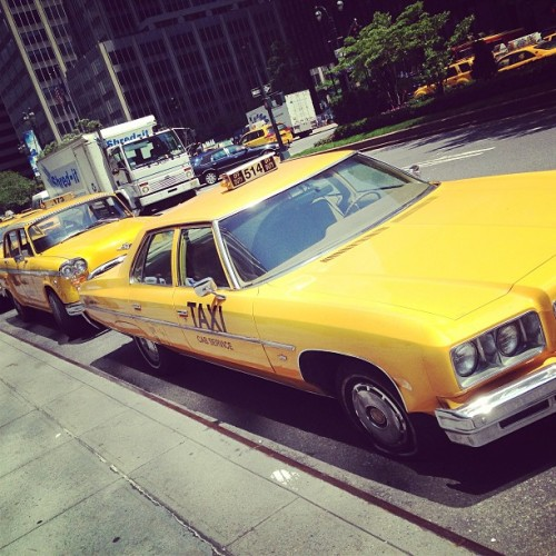 Stay classy, Manhattan. #Anchorman 2 apparently filming in Midtown.    (at 345 Park Ave.)