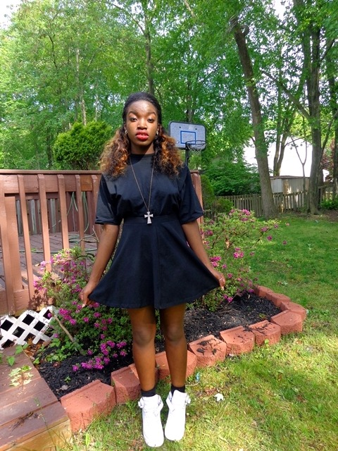 blackfashion:  Topshop skirt, random tee, Old school AF1s tumblog | personal blog