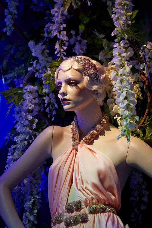 martas-wonderland:  The Great Gatsby at Harrods