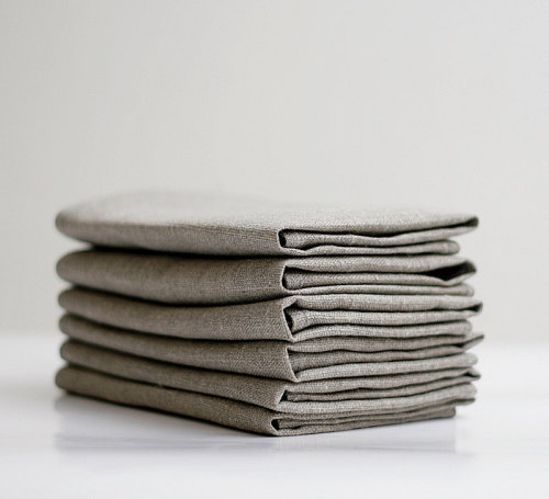 birdcagewalk:  fernfiddlehead:Linen napkin - Set of 6 18x18 inch size by pillowlink (30.00 USD) http://etsy.me/Sex18O