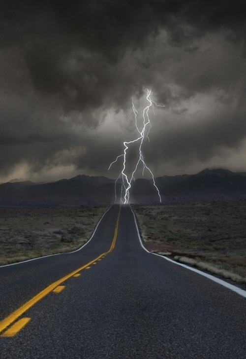 bluepueblo:  Highway Lightning, Colorado photo via elves