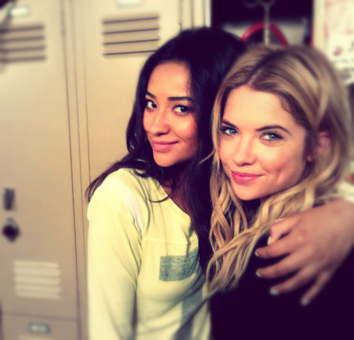 Shay Mitchell:  Good afternoon from Rosewood! On set with Benzo :)