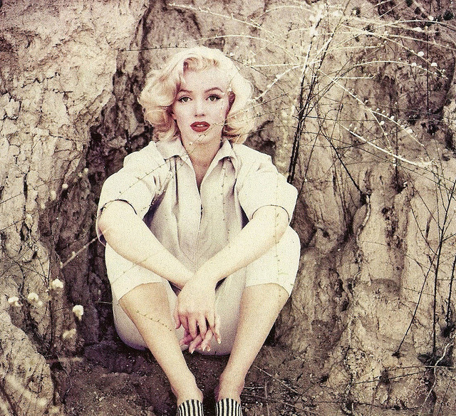 missingmarilyn:  Marilyn Monroe photographed by Milton Greene, 1953.