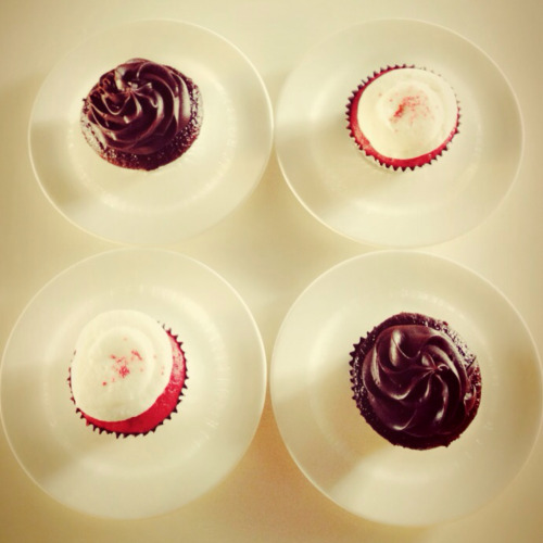 Le Bistro, Paseo Calamba Red velvet and Moist chocolate cupcakes.