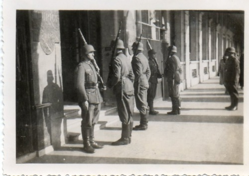 Soldiers standing guard outside of the Hôtel Meurice, one of many German HQ's in Paris.
