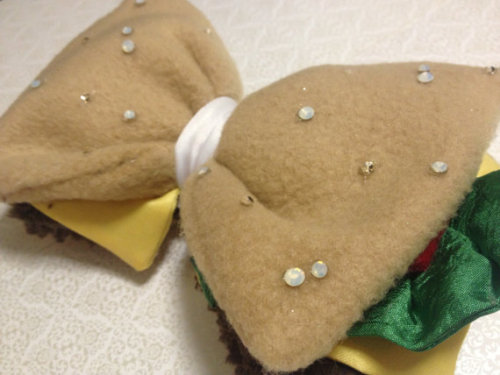 (via Le Cheeseburger Bow NEW from our Cosmic Cafe by CRSparkleGalaxy) have want will purchase