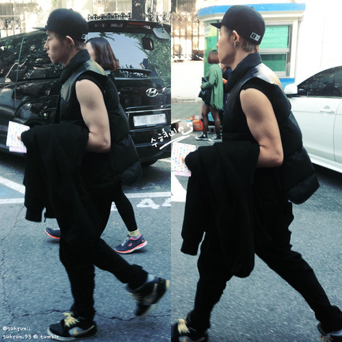 perverting-kpop:  Holy fuck - your arms. - Admin H