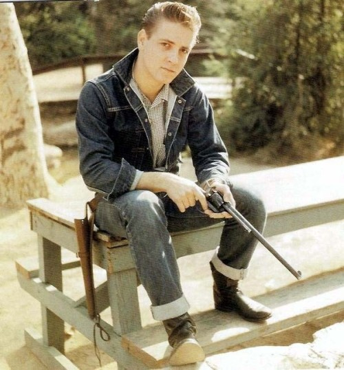 long barrel theroamer:  Eddie Cochran.