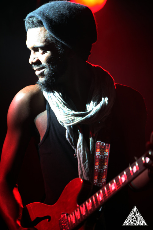 masmanocreativesolutions:  Gary Clark Jr  4/3 2013 @ Debaser Slussen Stockholm Sweden Photo: Mattias Stiller c/o Masmano Creative Solutions facebook.com/masmanocreativesolutions instagram: mattiasstiller