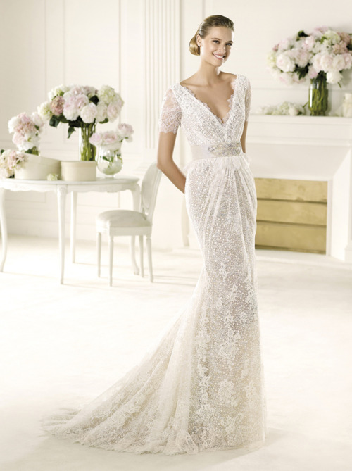 http://www.bellethemagazine.com/2012/10/manuel-mota-2013-bridal-collection-my.html