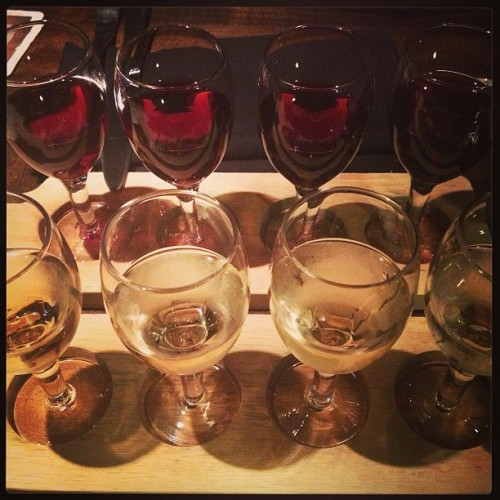 #Happy #Monday ! #wineflight @havengastropub #cityoforange #latenight #dinner @wellhungheart #radiopromotion night (at Haven Gastropub)