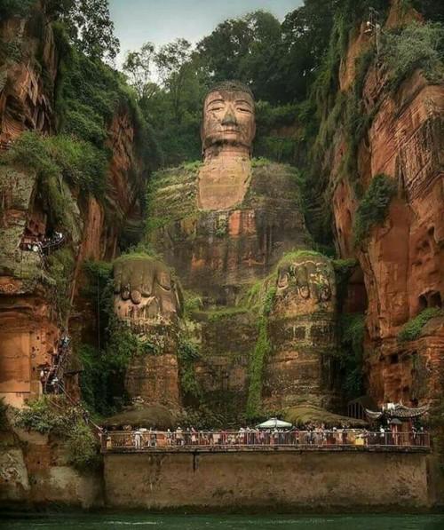 buddha buddhism spiritual spirituality peaceful peace stone statue green nature natural life wanderlust hippie gypsy boho