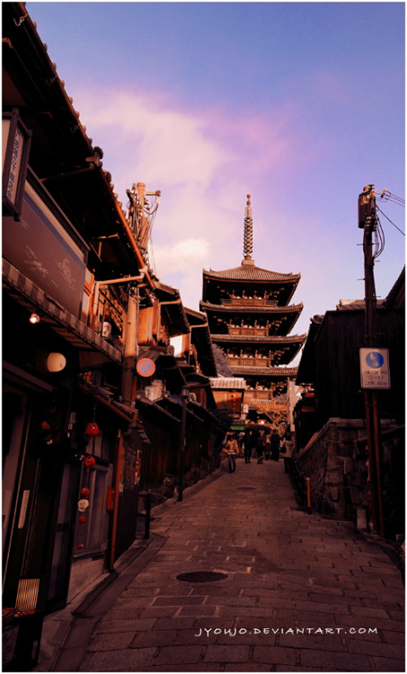 a-deadly-poison:  Gion view by ~jyoujo  I want to go to there.