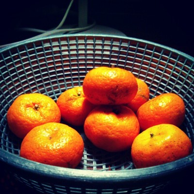 Healthy choice #oranges #orange #color #basket #fruit #instaphoto #chinese #sweet #sonyxperia #afternoon #goodday #indonesia #jakarta :))