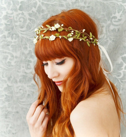 I just bought this for my wedding, what whaaat :)  Too bad my hair isn't red, but I'm gonna look so fly anyway.