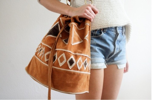 forever-and-alwayss:  that bag ! <3