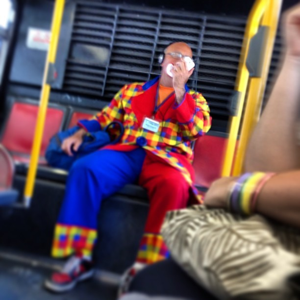 There is a clown on the bus and he's cussing. Also I have an irrational fear of clowns 😰 (at F-Market & Wharves (Ferry Building Stop))