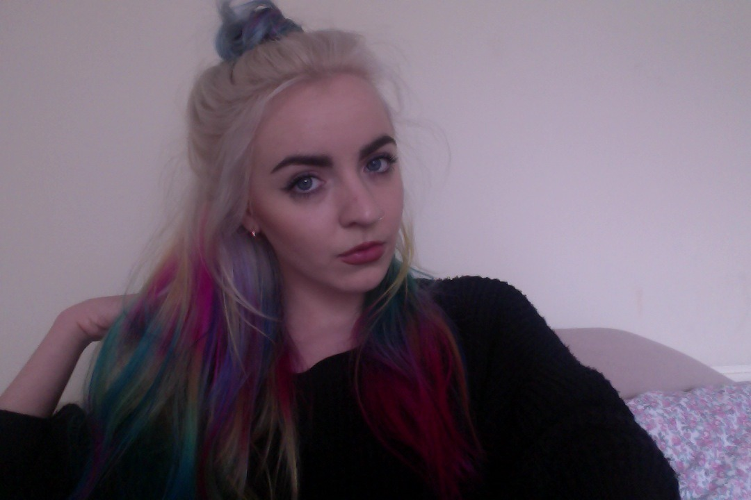 lilyevangeline:  idk if my hair looks like a parrot or a unicorn