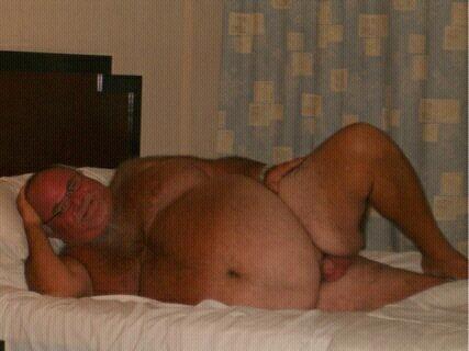 nsdlta:  Hot daddy!