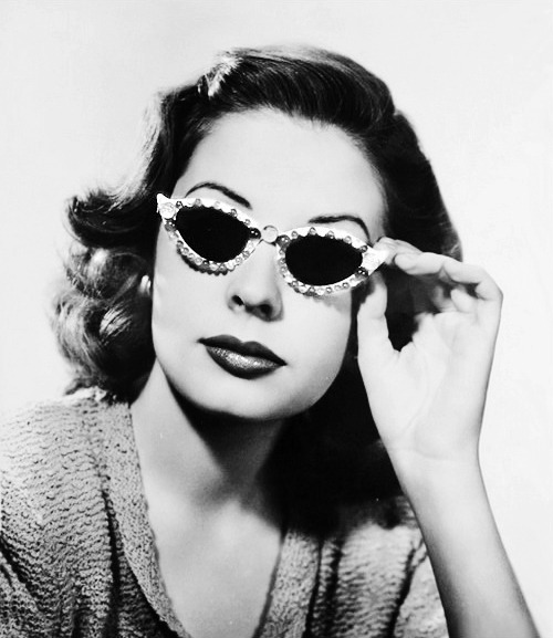 vintagegal:  Jane Greer c. 1940's