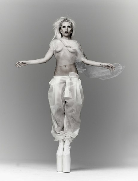 GAGA by Mariano Vivanco