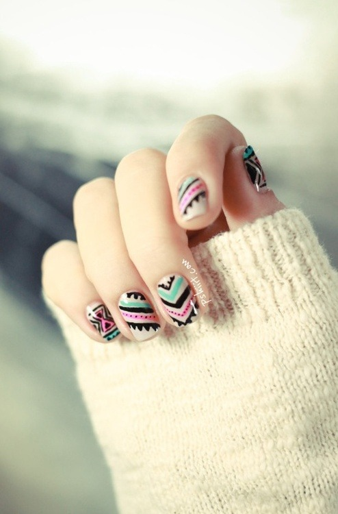 lifeisbigbitch:  nail designs | Tumblr on We Heart It - http://weheartit.com/entry/55097234/via/Alisoncampo