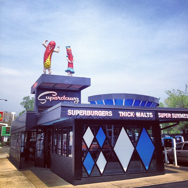 Superdawg. #chicago #chigram #hotdog #chicagostyle #retro #roadside #northside #oldschool