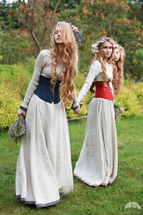 armstreet medievaldress Medieval dress fairy tail secret garden medieval fashion larp costume costumedesign model photography renaissance renaissance faire blonde